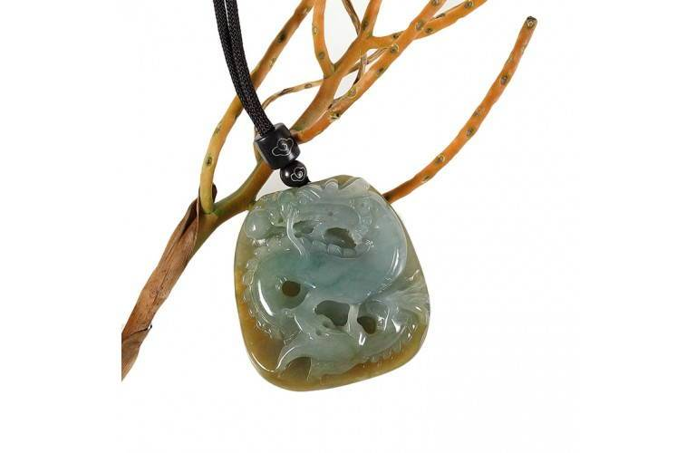 COLLIER GRAND DRAGON CHINOIS en JADE