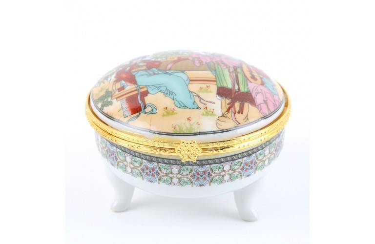 BOITE DECORATIVE en PORCELAINE