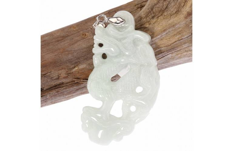 PENDENTIF DRAGON TRADITIONNEL EN JADE