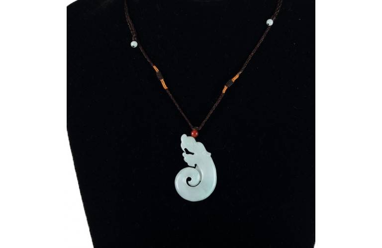 COLLIER PEND. DRAGON DESIGN MODERNE en JADE